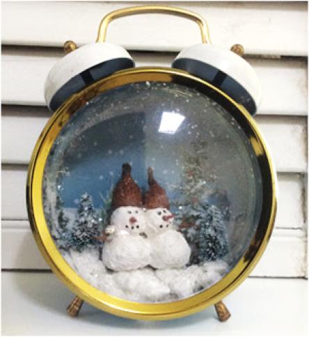 snowman globe clock